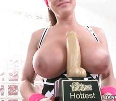 Lisa Ann Gets An Award For Being The Hottest Milf 2