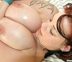Hot milf babe with killer natural titties gets creamed on